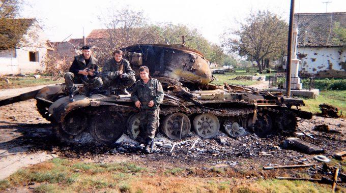 Uništeni Tenk U Bogdanovcima - Satnija Daltoni