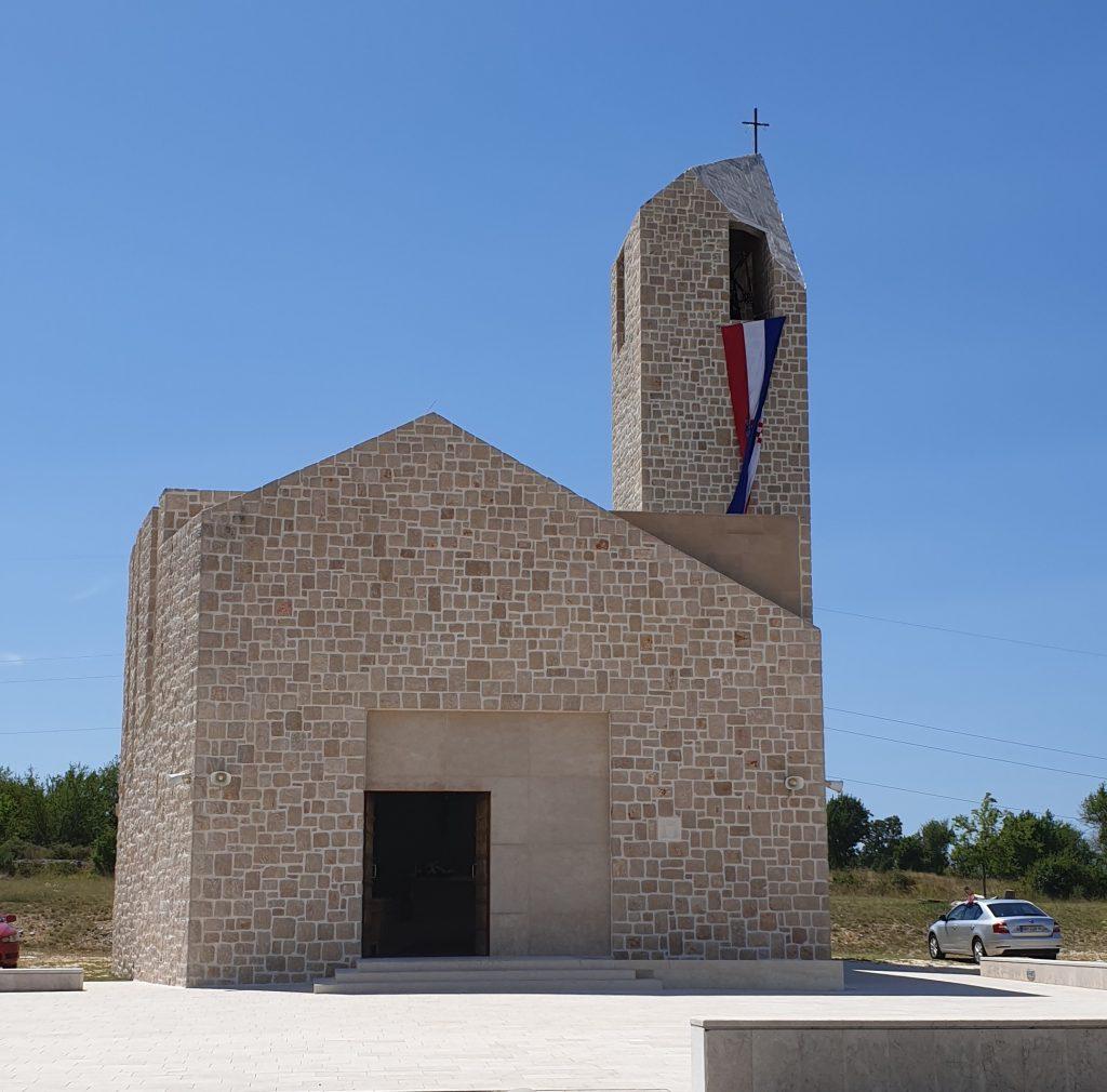 Crkva Hrvatskih mučenika u Čavoglavama - mjesto molitve za domovinu